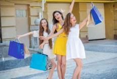 3 women shopping fun